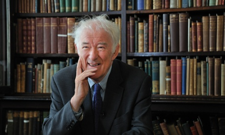 Nobel Prize-winning Irish poet and writer Seamus Heaney in The Linen Hall Library, Belfast, N'Ireland